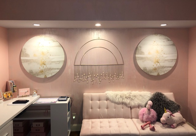 Pink glam teenager bedroom