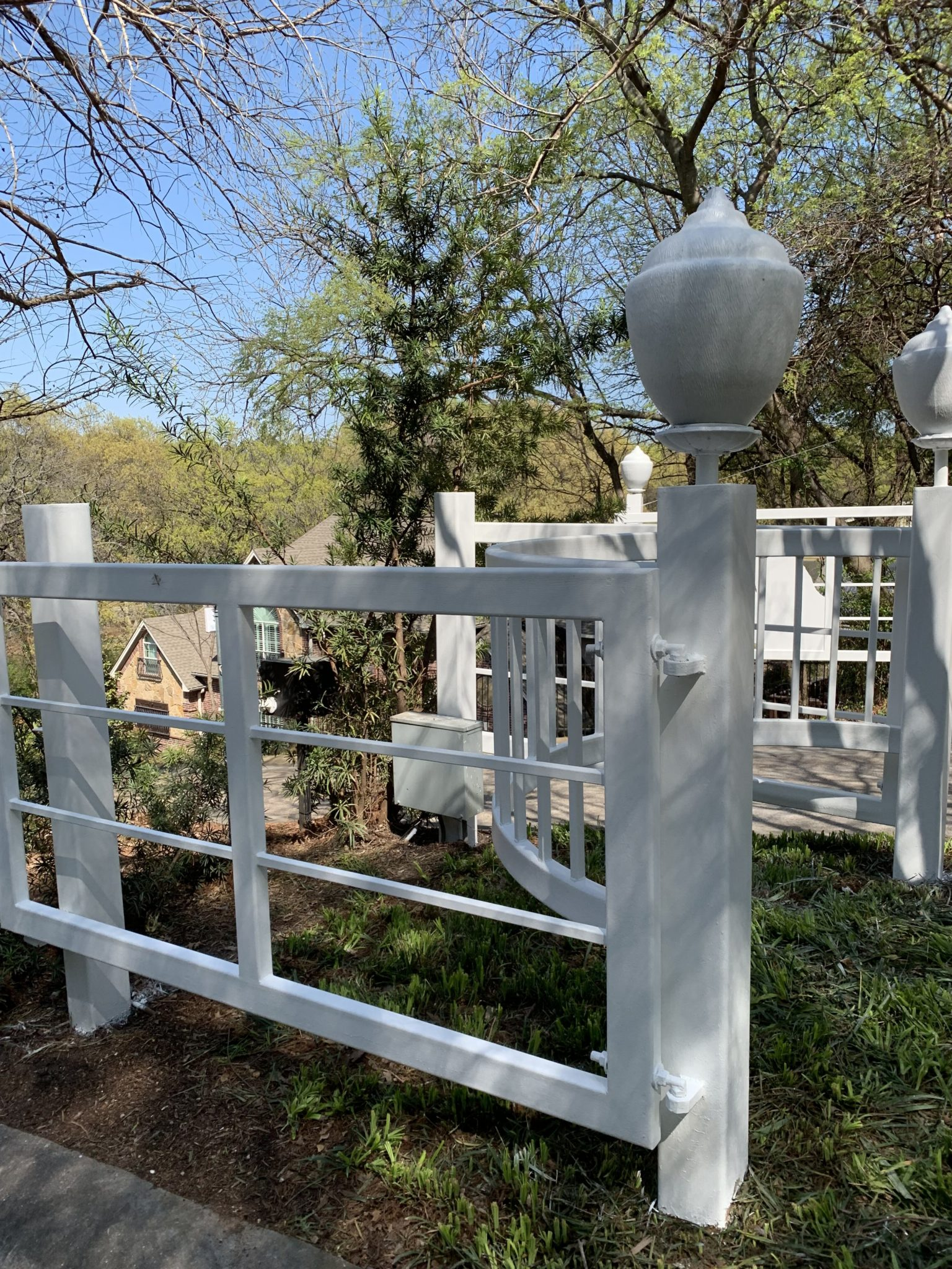 fence before white 1